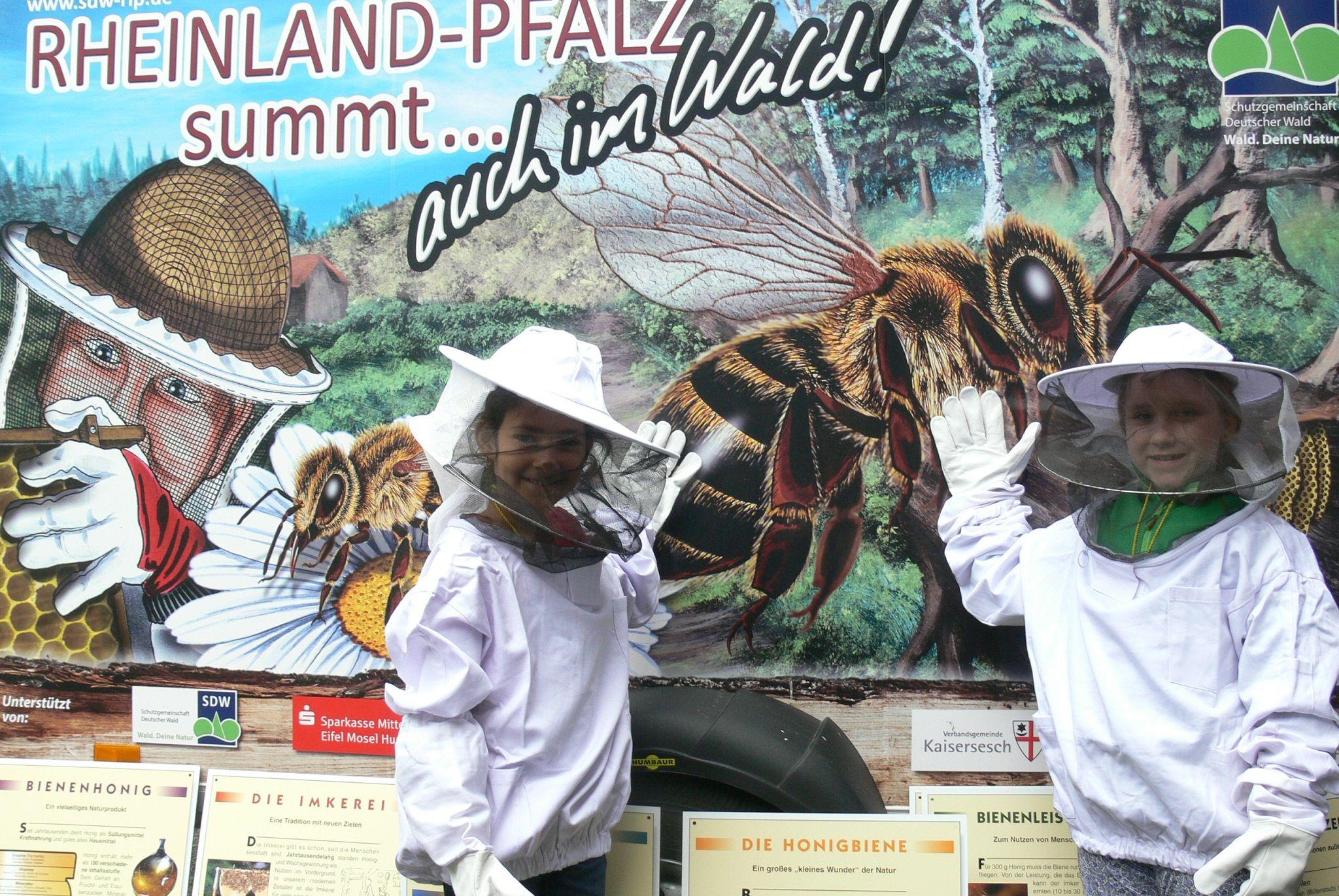 Bienenschule Anhänger Kinder Imker
