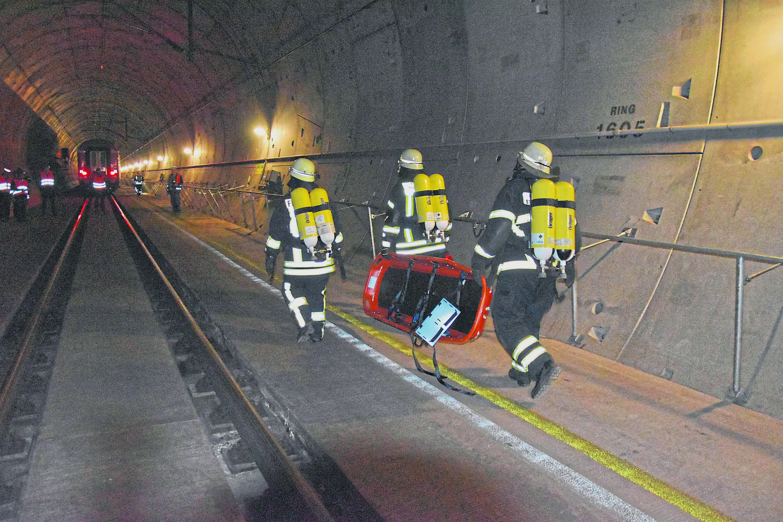 Kaiser-Wilhelm-Tunnel Cochem-Zell Feuerwehr Großübung