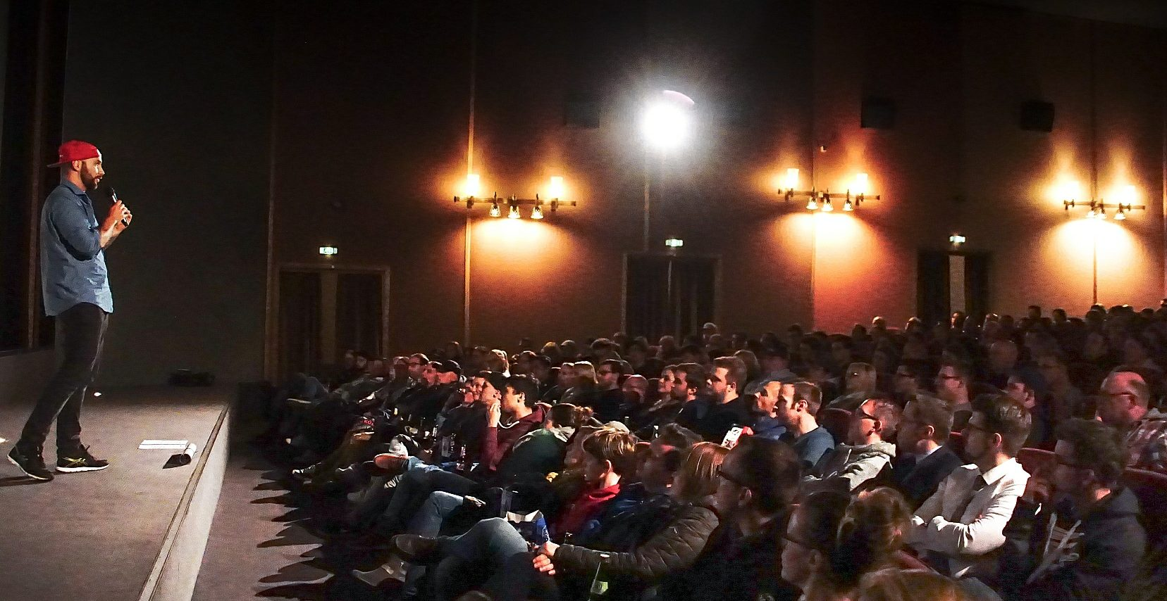 Benjamin Jaworskyj im Kino Neuwied bei der Präsentation seiner neuen Folge around the world