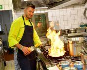 Oleg Untilov in seiner Küche